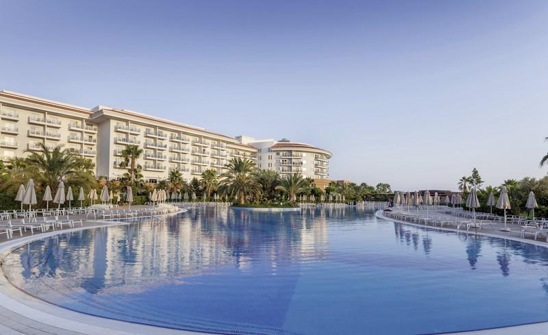 Sea World Resort Spa Side