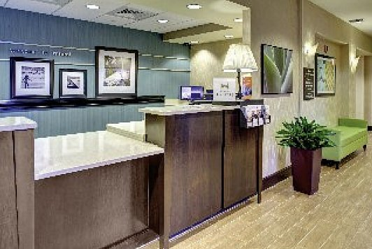 Hampton Inn & Suites Miami Airport South Blue