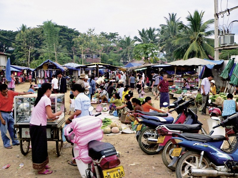 Überland von Luang Prabang nach Vientiane, FIT