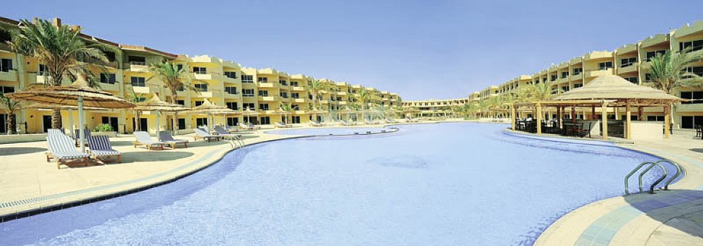 Amwaj Blue Bay Beach Resort & Spa